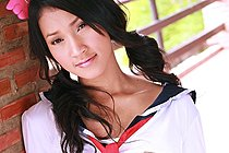 Pretty Memi Paweena stripping seifuku uniform and drops panties